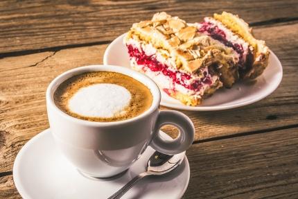 Kaffee & Kuchen – Pension Elisabeth – Pension am Millstätter See – Urlaub in Kärnten