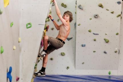 Bouldern im Schwesterhotel Sporthotel ROYAL X – Urlaub am Millstätter See – Frühstückspension Elisabeth