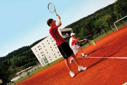 Sporthotel ROYAL X – Schwesterhotel der Pension Elisabeth – hauseigener Tennisplatz – Urlaub am Millstätter See – Urlaub in Kärnten am See