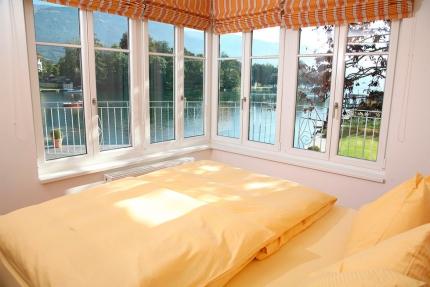 Seevilla Cattina – Schlafzimmer im Appartement Seerose – Luxus-Appartements direkt am Millstätter See in Kärnten